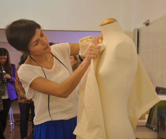 María Barros modelando en 3D. Fotografía de Rocío Pastor Eugenio.