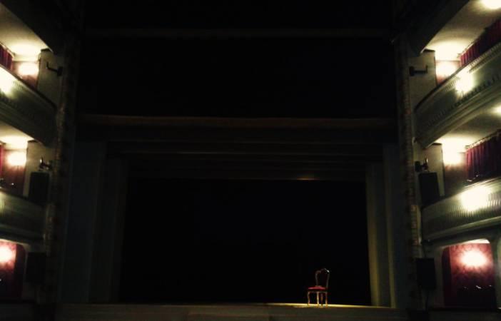 Teatro Alcázar. Escenario de El Brujo. Fotografía por/ de Rocío Pastor Eugenio. WOMANWORD
