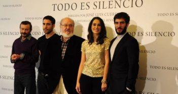 Elenco de Todo es Silencio. Fotografía de/ por Rocío Pastor Eugenio. WOMANWORD