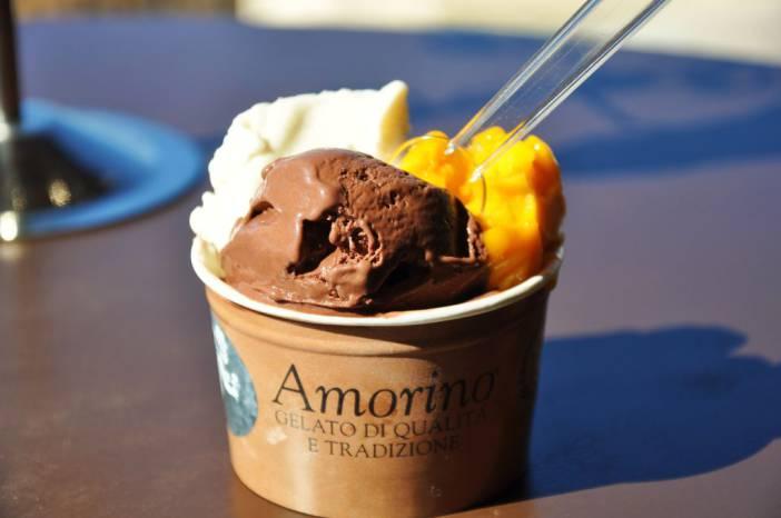 Coppa de mango, vainilla y chocolate. Fotografía de/ por Rocío Pastor Eugenio. WOMANWORD
