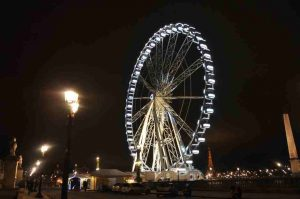 A 60 metros sobre el suelo. Paris by WOMANWORDA 60 metros sobre el suelo. Paris by WOMANWORD